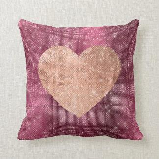 Almofada Sequin do coração da escova do ouro do rosa do