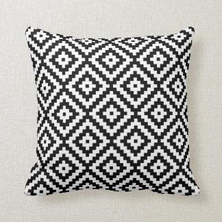 Almofada Símbolo asteca Ptn do bloco preto & branco II