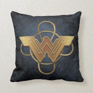 Almofada Símbolo do ouro da mulher maravilha sobre o laço