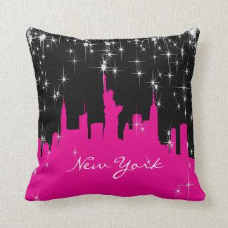 Almofada Skyline de New York do rosa quente e do preto