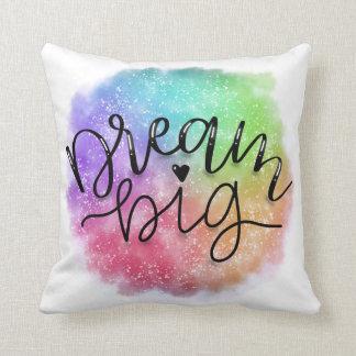 Almofada Sonho do arco-íris da aguarela da galáxia do falso