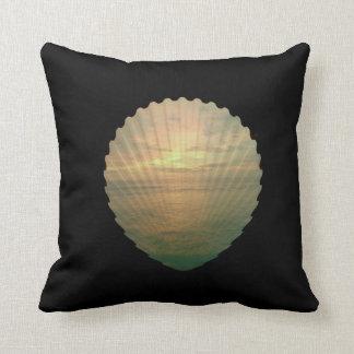 Almofada Sun ajustou-se no escudo do mar no travesseiro