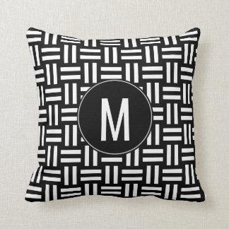 Almofada Teste padrão de Weave de cesta preto & branco