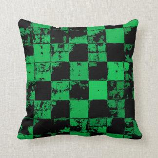 Almofada Teste padrão dos quadrados do Grunge, o preto e o