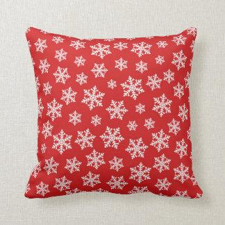 Almofada Teste padrão vermelho e branco dos flocos de neve