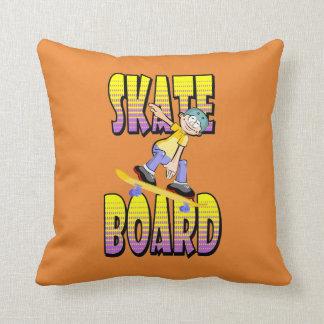 Almofada Texto do skate na cor amarela e violeta com