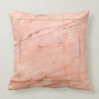 Almofada textura de mármore do Rosa-ouro
