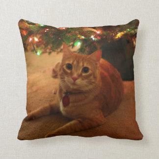 Almofada Travesseiro alaranjado do Natal do gato malhado