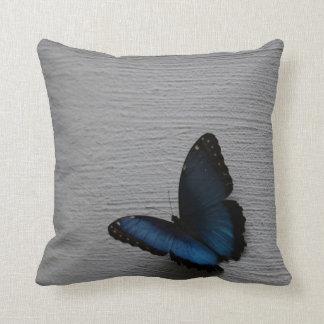 Almofada Travesseiro azul da borboleta de Morpho