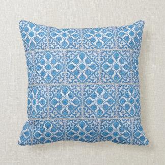 Almofada Travesseiro branco azul do azulejo do falso dos
