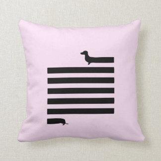 Almofada Travesseiro cor-de-rosa do quadrado da silhueta do