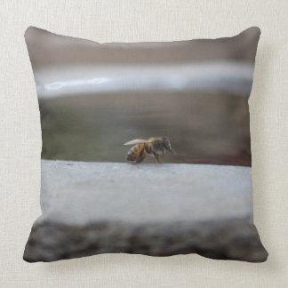 Almofada travesseiro da abelha/tartaruga