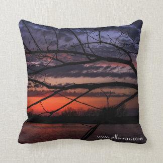 Almofada Travesseiro da silhueta da árvore do por do sol