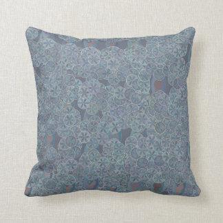 Almofada Travesseiro das flores do círculo das cinzas azuis