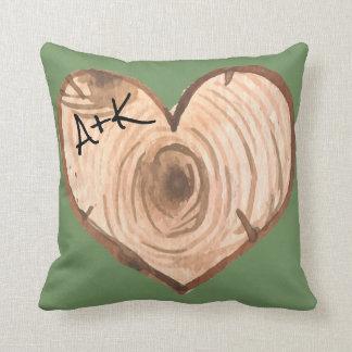 Almofada Travesseiro de madeira inicial do coração