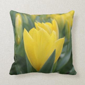 Almofada Travesseiro decorativo amarelo da tulipa do