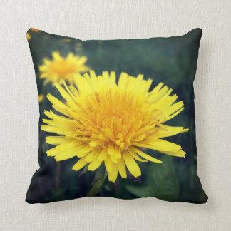 Almofada Travesseiro decorativo amarelo do dente-de-leão,