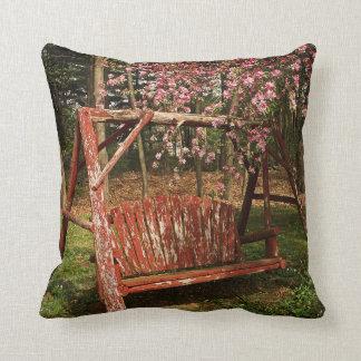 Almofada Travesseiro decorativo - balanço de madeira do