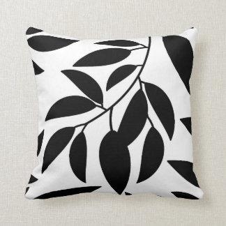 Almofada Travesseiro decorativo branco preto da silhueta da