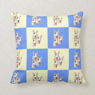 Almofada Travesseiro decorativo Checkered de bull terrier