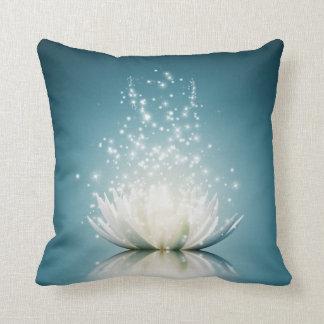 Almofada Travesseiro decorativo da mágica de Lotus branco
