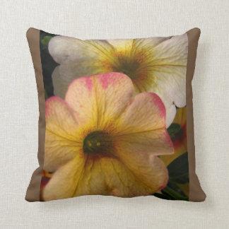 Almofada Travesseiro decorativo decorado com a foto floral