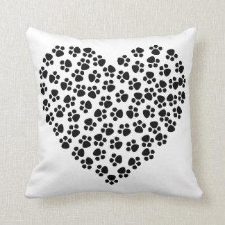 Almofada Travesseiro decorativo do coração da pata