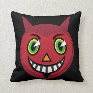 Almofada travesseiro decorativo do diabo do vintage dos