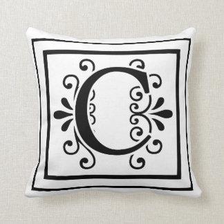 Almofada Travesseiro decorativo do monograma da letra C