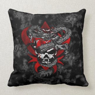 Almofada Travesseiro decorativo dos lírios do crânio