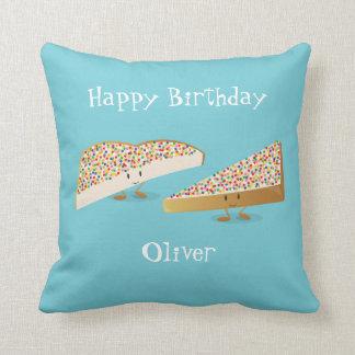 Almofada Travesseiro decorativo feericamente dos caráteres
