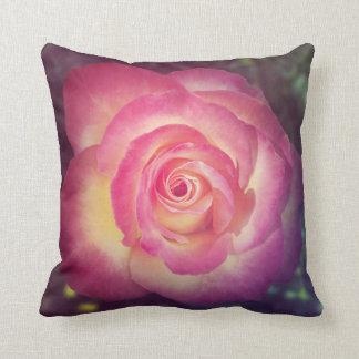 Almofada Travesseiro decorativo floral do rosa do rosa