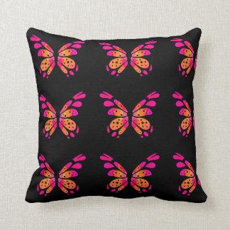 Almofada Travesseiro decorativo preto com a borboleta