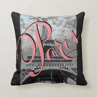 Almofada Travesseiro decorativo preto e branco da torre