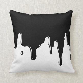 Almofada Travesseiro decorativo preto e branco do