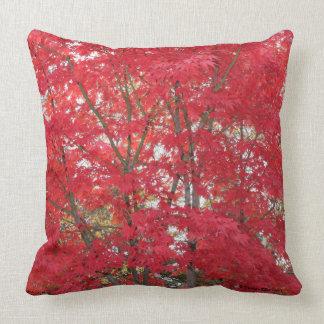 Almofada Travesseiro decorativo vermelho lindo das folhas