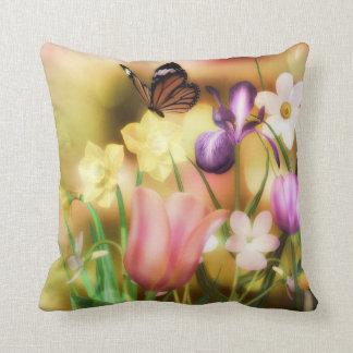 Almofada Travesseiro do jardim do primavera da borboleta da