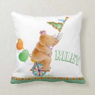 Almofada Travesseiro do nome do circo da aguarela do