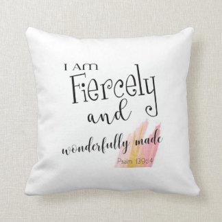 Almofada Travesseiro ferozmente e maravilhosamente feito do