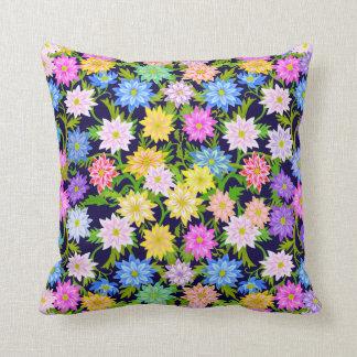 Almofada Travesseiro inglês colorido das flores do jardim