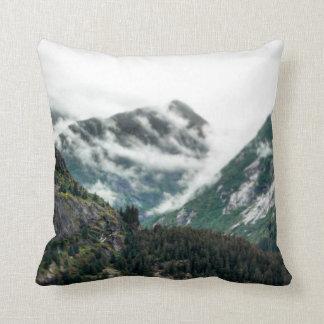 Almofada Travesseiro nevoento das partes superiores da