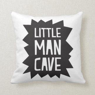 Almofada Travesseiro pequeno da caverna do homem