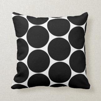 Almofada Travesseiro preto das bolinhas