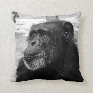 Almofada Travesseiro preto e branco do chimpanzé