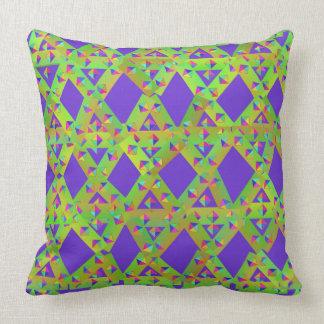 Almofada Travesseiro roxo e verde dos triângulos
