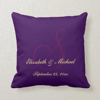 Almofada Travesseiro roxo elegante do casamento do noivo da