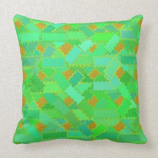 Almofada Travesseiro verde e alaranjado dos Squiggles