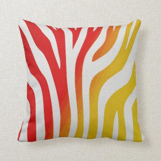 Almofada Travesseiro vermelho e amarelo do divertimento de