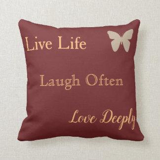 Almofada Travesseiro vivo do amor do riso com borboleta