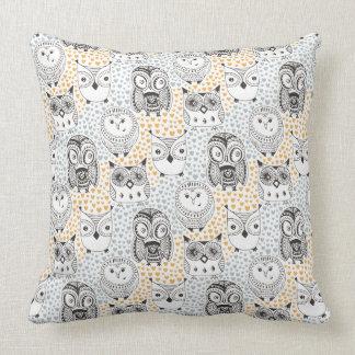 Almofada Travesseiros decorativos do teste padrão da coruja